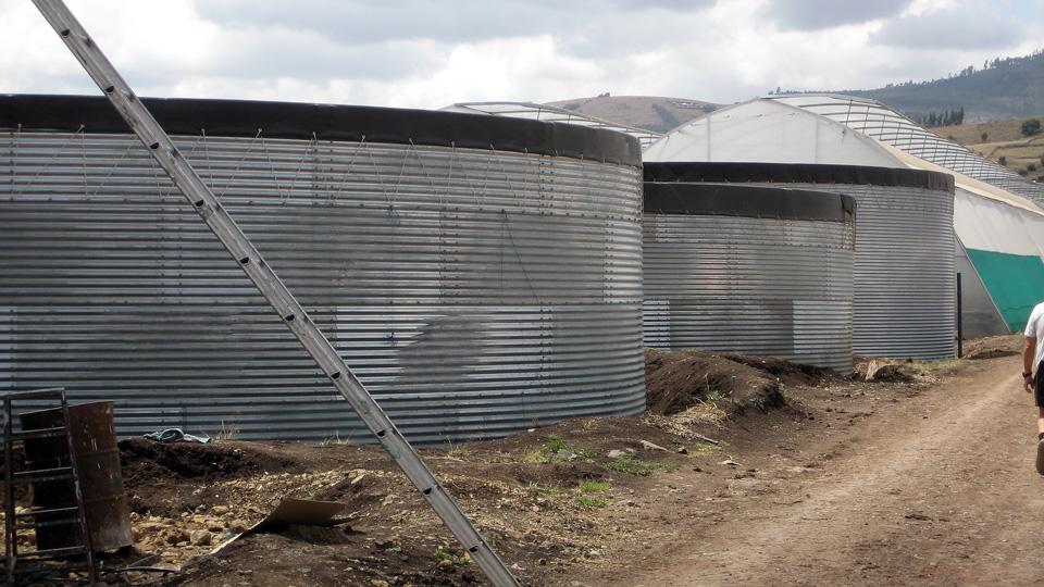 Емкости 160 м³ и 250 м³